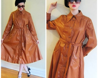 Vintage 1970s Brown Button Down Trench Coat / 1970s  Belted Spy Coat / Medium