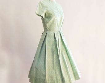 The 1950's Green Leaf Pattern Cotton Brocade Day Dress Garden Party Dress Small