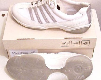 Ecco Womens Size 11M 42 EUR Biege Tan Athletic Tennis Shoe Sneaker New In Box Color Ice White