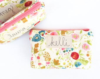 Personalized Bridesmaid Cosmetic Bags, Bridesmaid Gifts, Gift Set of 3, 4, 5, 6, 7, 8 for Bridal Party, Gift from Bride, Choice of Colors
