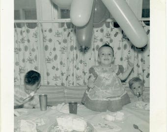 "Vintage Photo ""Enjoying Frosted Cakes"" Happy Birthday Party Boy Girl Children Balloon Americana Life Find Candid Found Snapshot - 16"