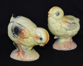 Vintage Chick Salt and Pepper Shakers in Yellow with Large Eyes