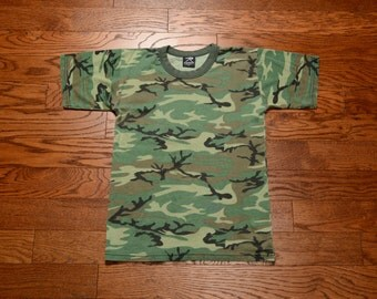 vintage 80s 90s camouflage t-shirt Rothco camo tee shirt soft thin worn in USA medium M