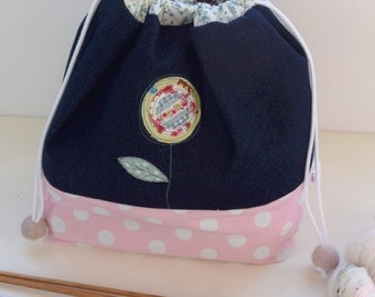 Knitting project bag with detachable notions pouch