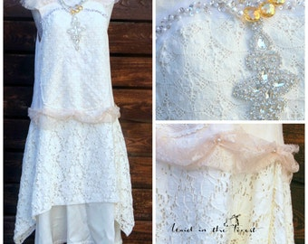 Womans size small rustic linen and lace ivory wedding dress. Ivory bridesmaid dress.