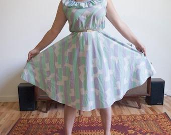Vintage 1980s Women's Printed Sundress size Medium/Large