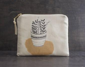 Flower Pot Makeup Bag. Floral Design. Fabric Design. Small Makeup Bag. Fabric Purse. Cosmetic Bag. Flower Zipper Pouch. Bouquet