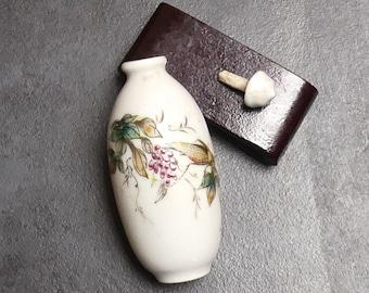 Vintage Chinese Ceramic Handpainted Grasshopper Opium Bottle