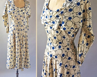 Gorgeous 1940s Vintage Printed Silk Cobalt Blue & White Abstract Circle Pattern Sleeveless Party Dress Draping Shoulder
