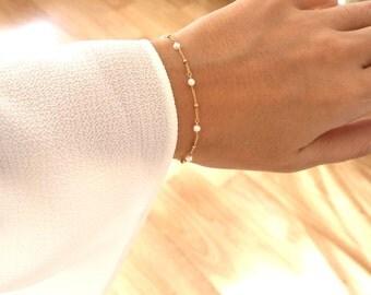 14K Gold. Freshwater Pearl Bracelet, Delicate Gold Bracelet, Dainty Gold Bracelet, Pearl Gold Bracelet, June Birthstone Jewelry, Wedding