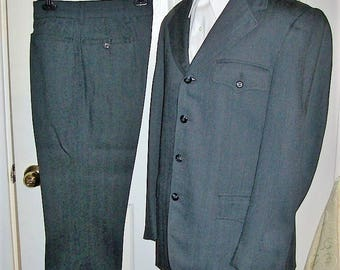 Vintage 1950s Mens Gray Suit by Lee Wald Size 40 S Only 28 USD