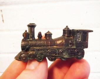 Wee trains salt and pepper metal mid century locomotive novelty railroad engine, train engine