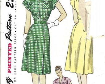Vintage 1940s Wrap Dress Pattern, V Neck Shirt Dress, Wrap Skirt, Scalloped Neckline, 1945 Dress Pattern, Vintage Simplicity, Bust 36 Inches