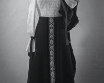 Floral Vintage Maxi Skirt. Waist: 36 inches. / Winter Full Length Skirt., Knit Long Skirt. //Embroidery Skirt. Black Wool., Spanish Italian
