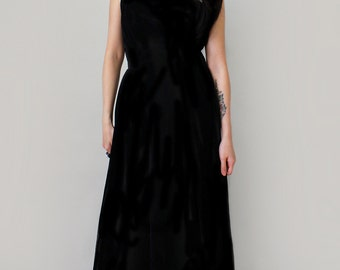 On Sale - Vintage 1960s Black Velvet Gown with Fur Trim - 50s 60s Party Dress - Winter Formal Dress - Long Velvet Dress - Size Small