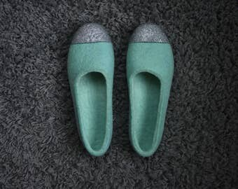 Felted Slippers for Women, Mint Slippers, Mint, Silver Glitter, Felted Ballet Flats, Women Wool Slippers, Gift for Her, Metallic, Home