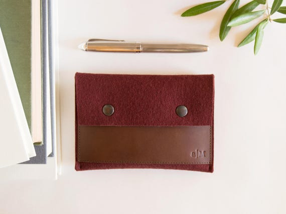 Felt and leather PASSPORT WALLET / passport case / felt wallet / maroon and dark brown / wool felt / felt passport wallet / made in Italy