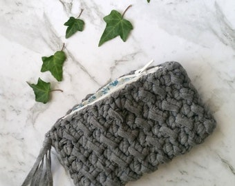 Crochet Pattern - set of two textured clutches. Textured clutch - two ways. ribbon yarn pattern