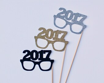 2017 New Years Eve Photobooth Props - 3 Glittered NYE Glasses Photo Booth Party Props - Gold, Silver and Black Holiday