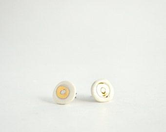 22k Gold Circle Porcelain Stud Earrings