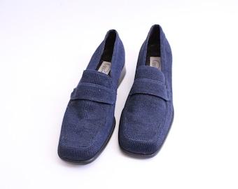 Minimal Blue Knit 90s Loafer