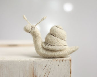 Needle Felted Snail - Dreamy White Snail - Needle Felt Art Doll - Snail Miniature - Summer Home Decor - Needle Felt Animal - Gift For Her