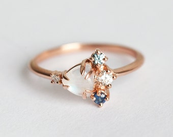 Moonstone Cluster Ring, Birthstone Ring, Birthstone Mother Ring, Mom Ring, Gold Cluster Ring