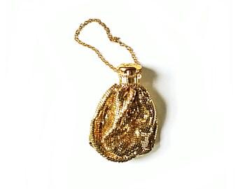 Whiting Davis Bag Whiting Davis purse Pouch Purse Reticule  Accordion Cap Style bag gold mesh Gate-top, Beggars Bag