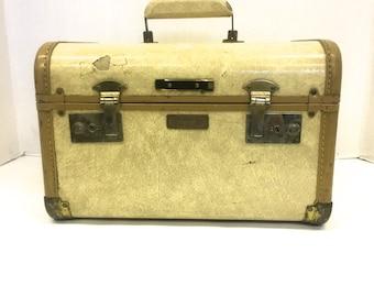 Vintage samsonite train case /  Make up bag /  vintage luggage / movie prop /  faux marble suitcase / small suitcase / 13 x 8 x 9 /
