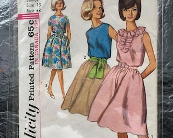 Vintage 1960s Juniors' and Misses' One-Piece Dress Pattern // Simplicity 5505, Size 13 > full skirt, blouson bodice, gathered waist > UNUSED