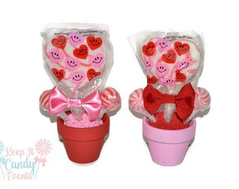 Mini Valentine's Day Lollipop Favors, Valentine's Day, Valentine's, Candy, Lollipop, Gift, Favor, Pink, Red, Hearts, Candy Favor, Gift Idea