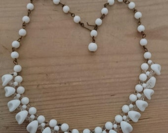 Vintage milk glass bead necklace