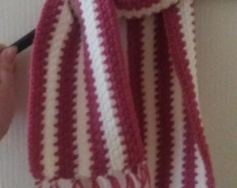 Girls 'raspberries and cream' striped crochet scarf