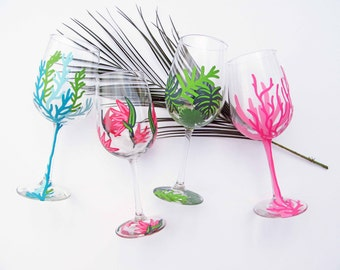 Tropical Wine Glass Set, Ocean Wine Glass, Hand Painted Wine Glass, Tropical Bridal Shower, Tropical Decor, Bridal Party Wine Glasses