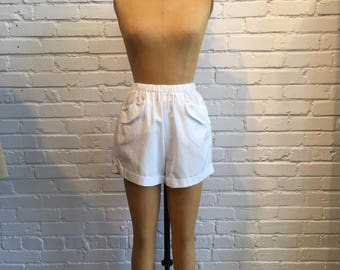 1950s White Pinup Shorts // 50s Shorts with Pockets // Vintage 1950s Women's Shorts