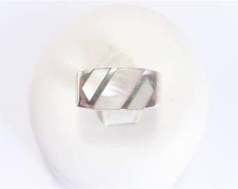 Flat Top Vintage Sterling Inlay Mother of Pearl Ring Size 5.75