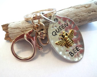 Queen Bee, Bumble Bee Keychain, Insect Jewelry, Bumble Bee Jewelry, Gift for Wife, Stamped Charm Keychain, Bumble Bee Gift, Queen Bee Gifts
