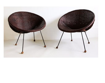 Mid Century Modern Pair of Wicker and Wrought Iron Saucer Chairs Umanoff Era