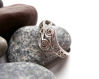 Silver Spiral Ring - Vintage Jewellery - Filigree Ring - Sterling Silver