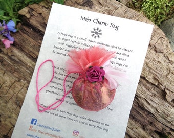 ROMANCE MOJO Gris Gris Bag. Charm - Talisman - Amulet. Blended herbs, flowers, roots, resins, crystals. Wicca Pagan Hoodoo Love Luck Money