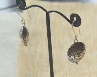 Karen Hill Tribe Earring Charms,Hill Tribe Silver,Sterling Silver,Handmade,Earring Drops,Round,Flat,Flower Petal Design,Pairs, AL16-301