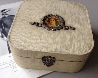 Sweet vintage rustic wood and fabric lined box, hinged trinket box, shabby elegant keepsake box