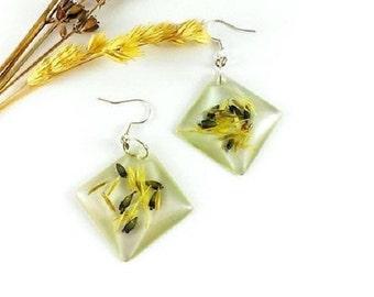 SALE 20% OFF Resin earrings Square earrings Real flower earrings Nature inspired Eco friendly jewelry Light green earrings Flower earrings G
