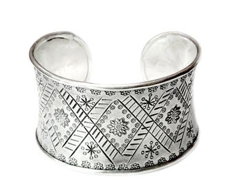 Engraved Sterling Silver Handmade Wide Cuff bracelet with Floral and geometric Ethnic Tribal Decoration, Gypsy boho Tribal Adjustable Cuff