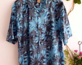 BLUE HAWAIIAN SHIRT, size L