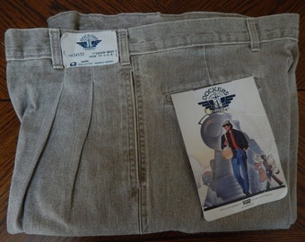 Levi's Dockers 90's khaki pleated mens pants. New old stock.