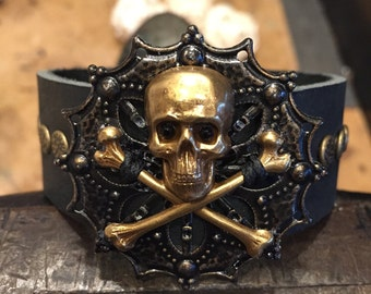 Leather skull bracelet cuff, gothic jewelry, pirate bracelet, skull gift