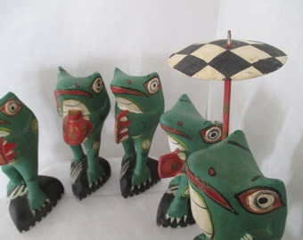 6 vintage frogs, made in Phillipines, 1980's souviner, frog collectable, animal souviner, 6 frog band, hand painted frogs, tourist gift