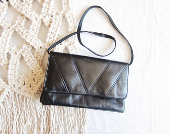 SALE // Vintage Black Leather Purse - Women's, shoulder bag, clutch, removable strap, small, made in Canada
