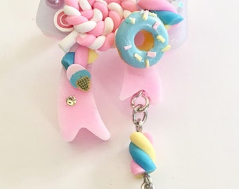 Over the Top Sweetness Bow Brooch